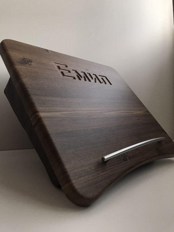 маса за лаптоп с кожа