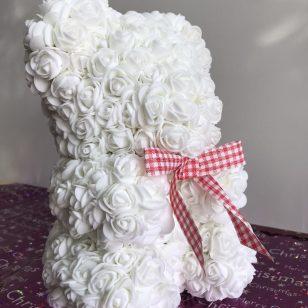 мече от рози - бяло