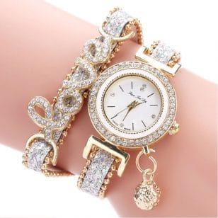часовник и гривна Love