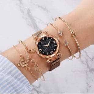 часовник с 4 гривни