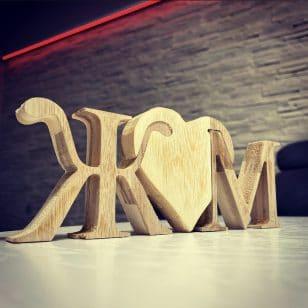 дървен пъзел с Вашите инициали
