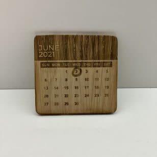 персонализиран дървен календар